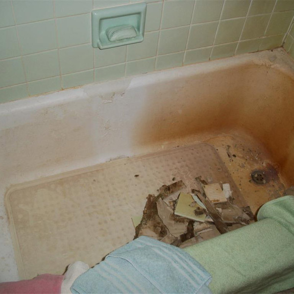 Old Tub - Before